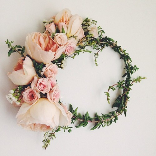 Fresh Flower Crown light pink roses